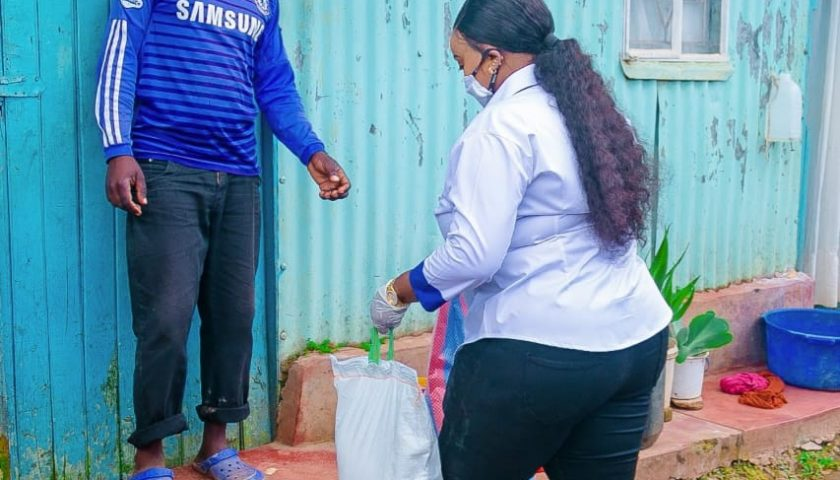 Rev Lucy Natasha Shows Love to Street Families 2