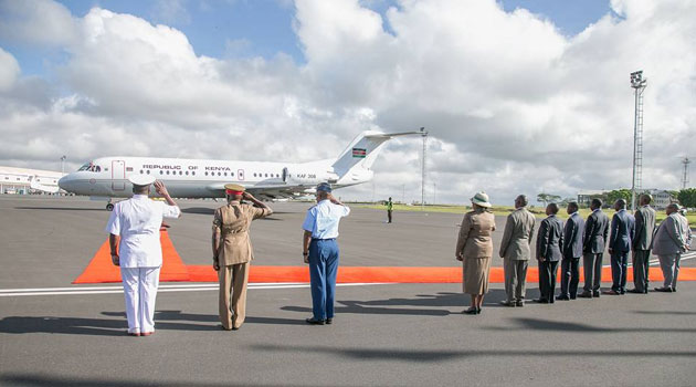 More Worries In Raila Camp As Joho Return Back To Mombasa With a Plane Used By  Uhuru and Ruto. 2