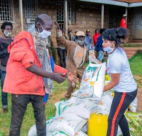 Rev Natasha puts Smiles To street Families with 3 month Food supply 2