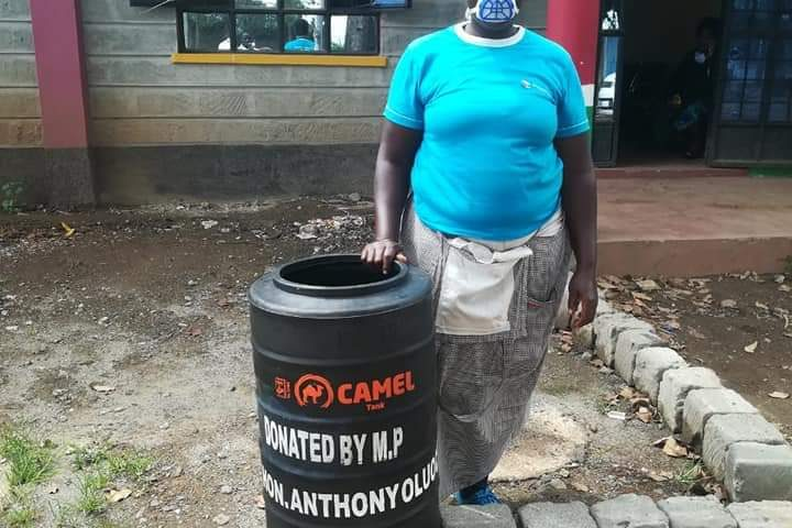 Mathareans Praise Their Mp Hon Anthony T Oluoch As He Distributed Foodstuffs And Handwashing Tanks In His Six Mathare Constituency Wards. 2