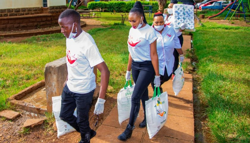 Rev Natasha puts Smiles To street Families with 3 month Food supply 8