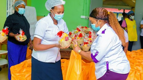 Rev Natasha Showers Nurses With Food packs and Gifts 1