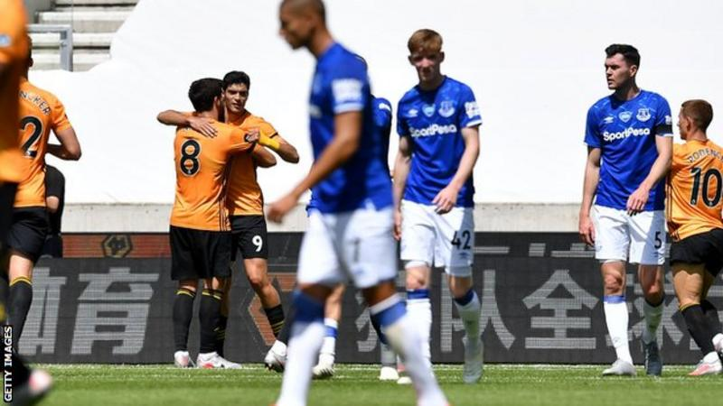 Wolves maul Toffees at Molineux to reclaim sixth 1