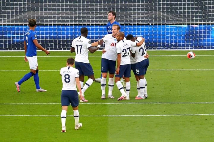 Spurs pip Toffees to keep hopes of European slot alive 1