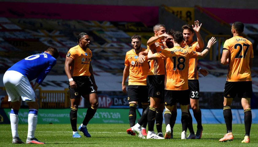 Wolves maul Toffees at Molineux to reclaim sixth 4