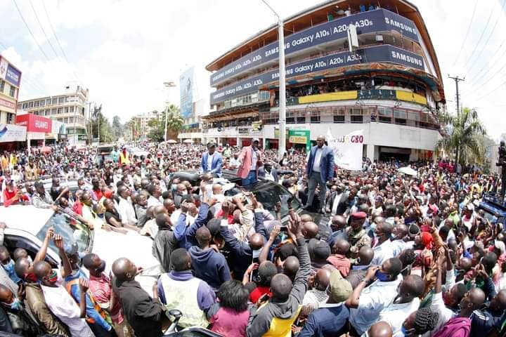 Ruto Arrives In Kisii, Residents Mingle Freely with Deputy President William Ruto. (PHOTOS) 3