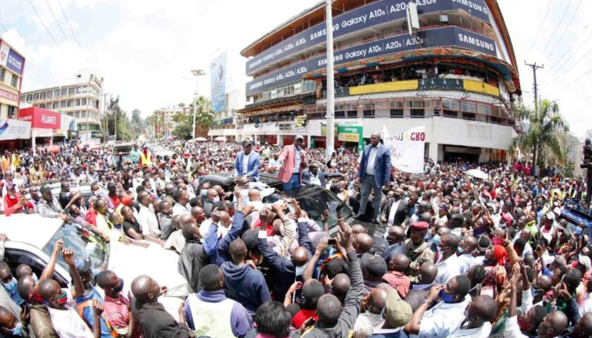 Ruto Arrives In Kisii, Residents Mingle Freely with Deputy President William Ruto. (PHOTOS) 6